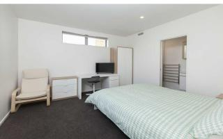 View profile: AS NEW FULLY FURNISHED BEDSIT - BRILLIANT LOCATION! UNLIMITED INTERNET