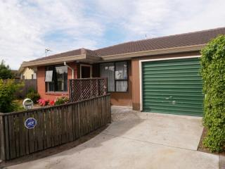 View profile: WAINONI - SUNNY 2 BEDROOM UNIT