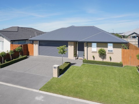 View profile: ROLLESTON - 3 BEDROOM, 2 X BATHROOMS, FAMILY AND PET FRIENDLY SECTION
