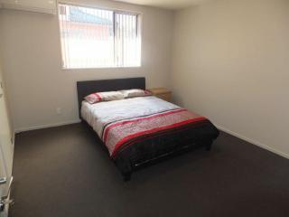 View profile: RICCARTON BEDSIT - GREAT LOCATION
