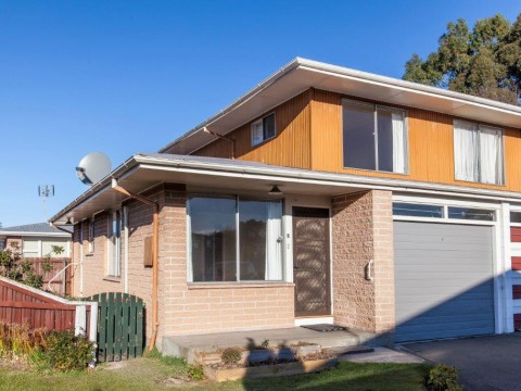 View profile: HAREWOOD - 2 X BEDROOM IMMACULATE UNIT, HEATPUMP, SINGLE GARAGE WTIH REMOTE