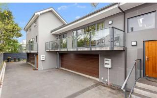 View profile: CITY - LUXURY 2 BED 2 BATH DOUBLE STOREY TOWNHOUSE + DOUBLE GARAGE