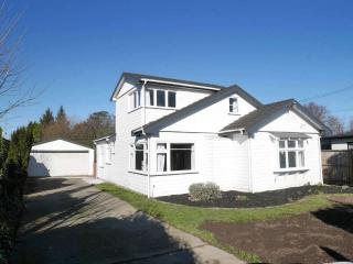 View profile: BRYNDWR - 4 BEDROOM FAMILY HOME, HEATPUMP, SEPARATE OFFICE/STUDIO ROOM, DOUBLE GARAGE