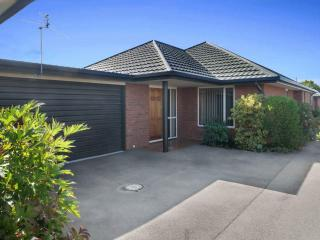 View profile: ILAM / UPPER RICCARTON - TIDY SPACIOUS 3 BEDROOM TOWNHOUSE, DOUBLE GARAGE