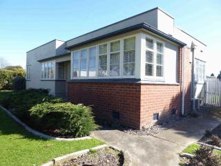 View profile: RICCARTON - 3 BEDROOM, 1 BATHROOM, HEATPUMP