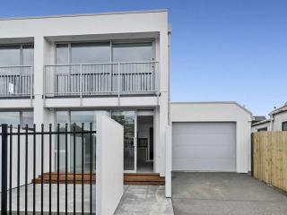 View profile: ST ALBANS - BRAND NEW 2 BEDROOM, 2 X BATHROOM TOWNHOUSE, SINGLE GARAGE