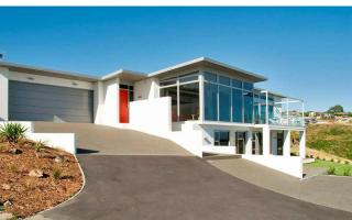 View profile: REDCLIFFS - EXECUTIVE 5 BEDROOM, 2 X LIVING, 3 X BATHROOM HOME WITH STUNNING VIEWS