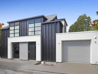 View profile: MERIVALE - BRAND NEW STYLISH 2 BEDROOM HOUSE, SINGLE GARAGE