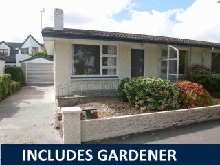 View profile: RICCARTON - 2 BEDROOM UNIT CLOSE TO HAGLEY PARK, SINGLE GARAGE, INCLUDES GARDENER