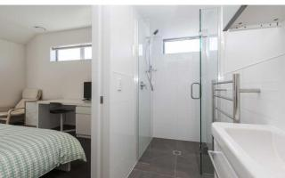 View profile: ADDINGTON - AS NEW, FURNISHED BEDSIT - UNLIMITED INTERNET
